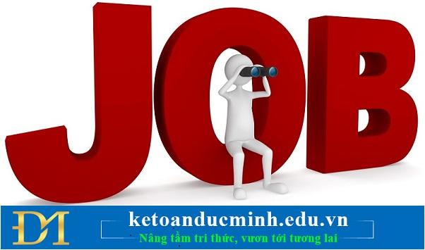 Tìm kiếm công việc trong quá trình học tập trước khi tốt nghiệp