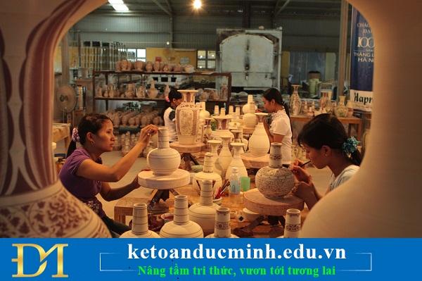 Phương pháp tính giá thành theo đơn đặt hàng trong DN sản xuất đồ thủ công mỹ nghệ