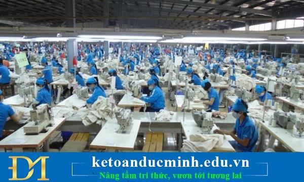 Đặc thù về quy trình sản xuất gia công may mặc và giá thành