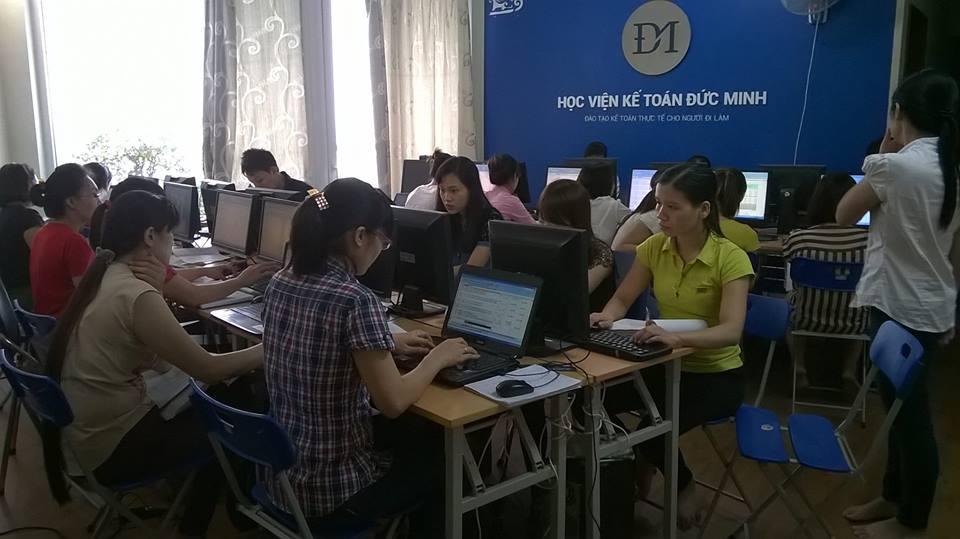 Hình ảnh lớp học kế toán thực tế tại hà nội được khai giảng tại hoàng mai