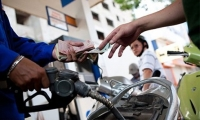 Phụ cấp xăng xe, điện thoại có chịu thuế TNCN, thuế TNDN?